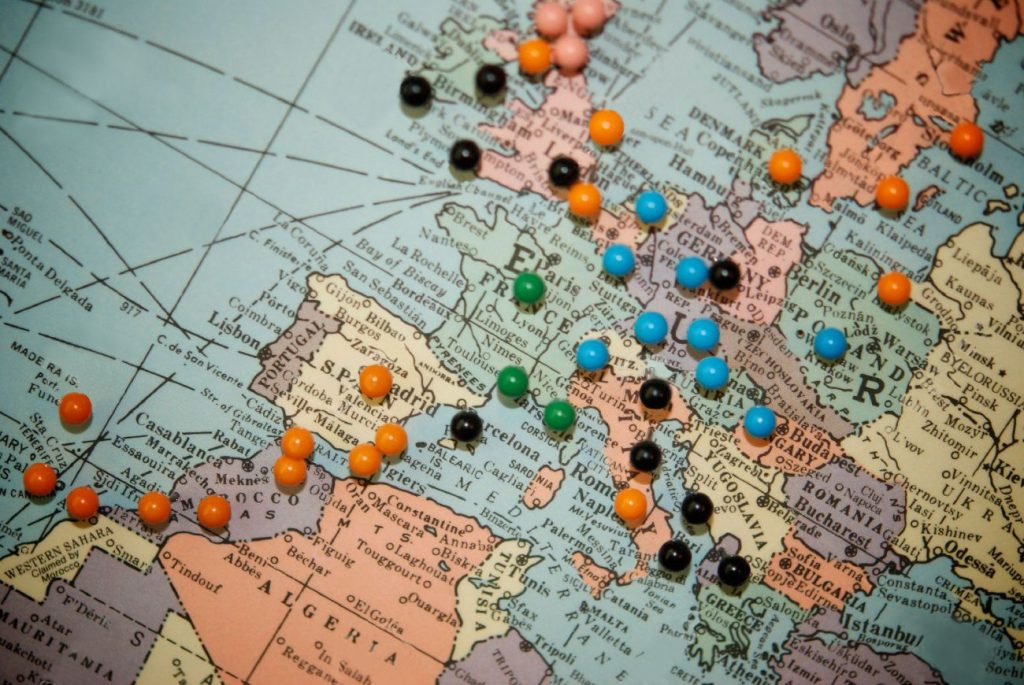 custom travel map with push pins